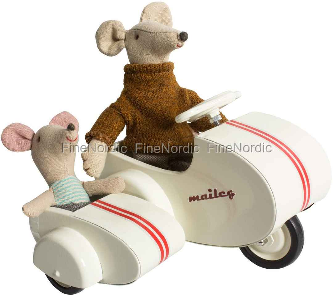 maileg rabbit scooter with sidecar for micro and my. Black Bedroom Furniture Sets. Home Design Ideas
