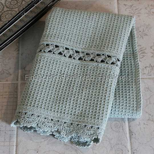 Chic Antique Tea Towel With Crochet Edge Verte