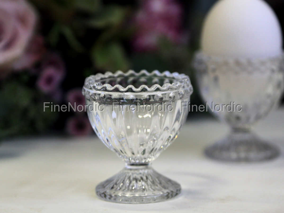 Chic Antique Egg Cup With Pearl Edge Gl
