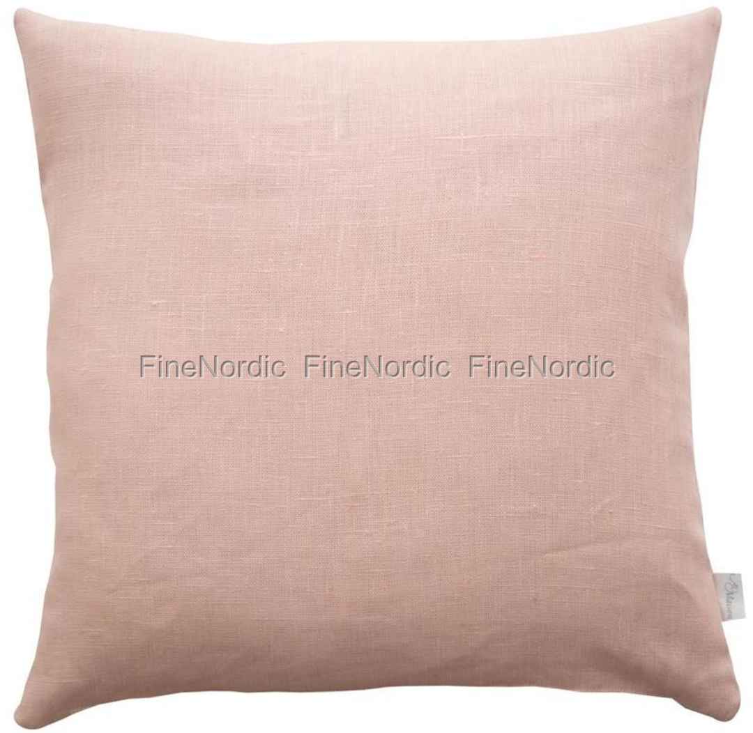 A u maison cushion linen basic powder rose 45 x 45 cm for Au maison cushion