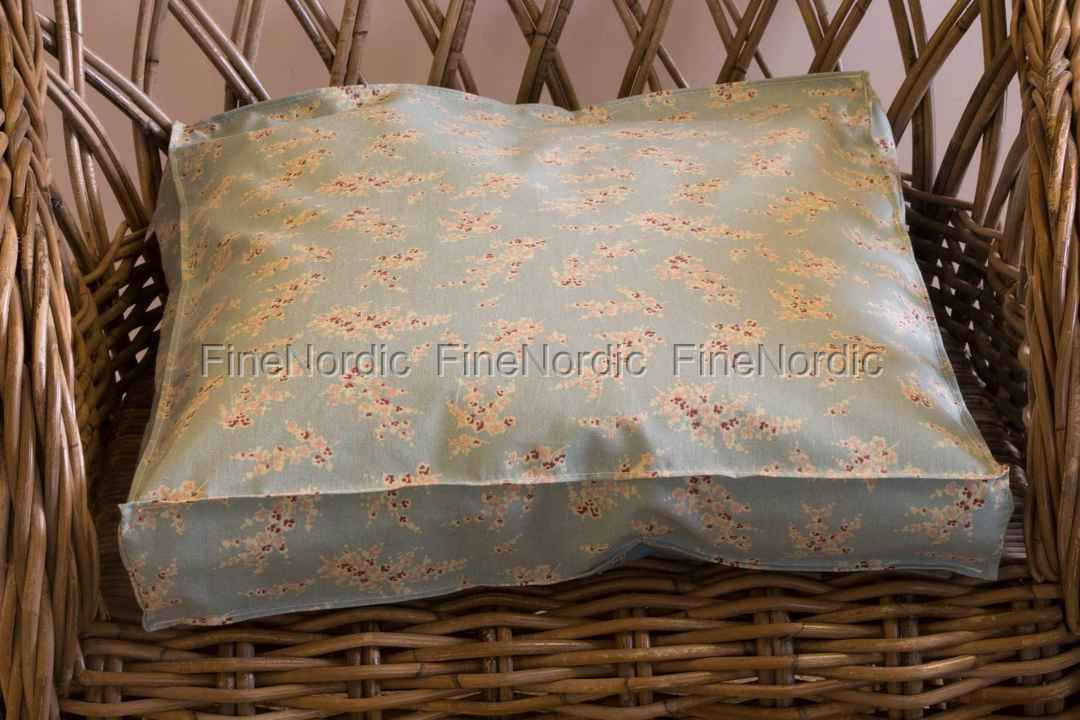 A u maison box cushion wisteria ice green 40 x 40 x 6 cm for Au maison cushion